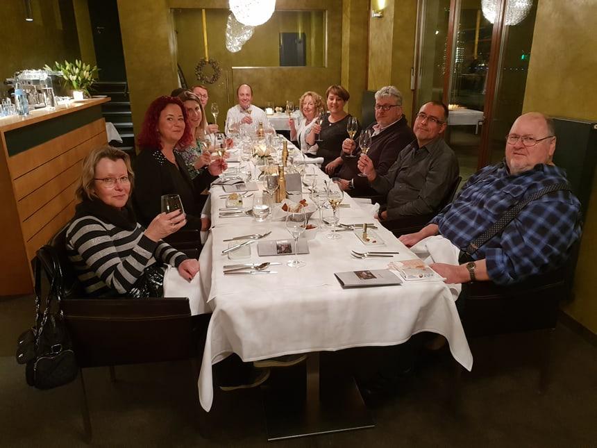 Tischgesellschaft 2 - Praxisjubiläum 15 Jahre Dr Ebert